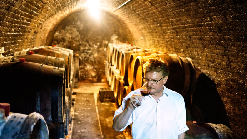 Horst Hummel im Keller seines Weinguts