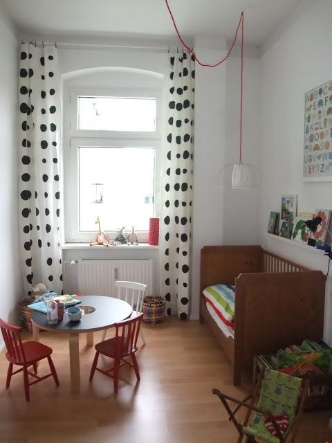 Kinderzimmer, Dots