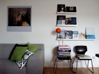 Eames Rocker, Teppich, Streifen, Ikea, Lampe Sophie, Frau Meier