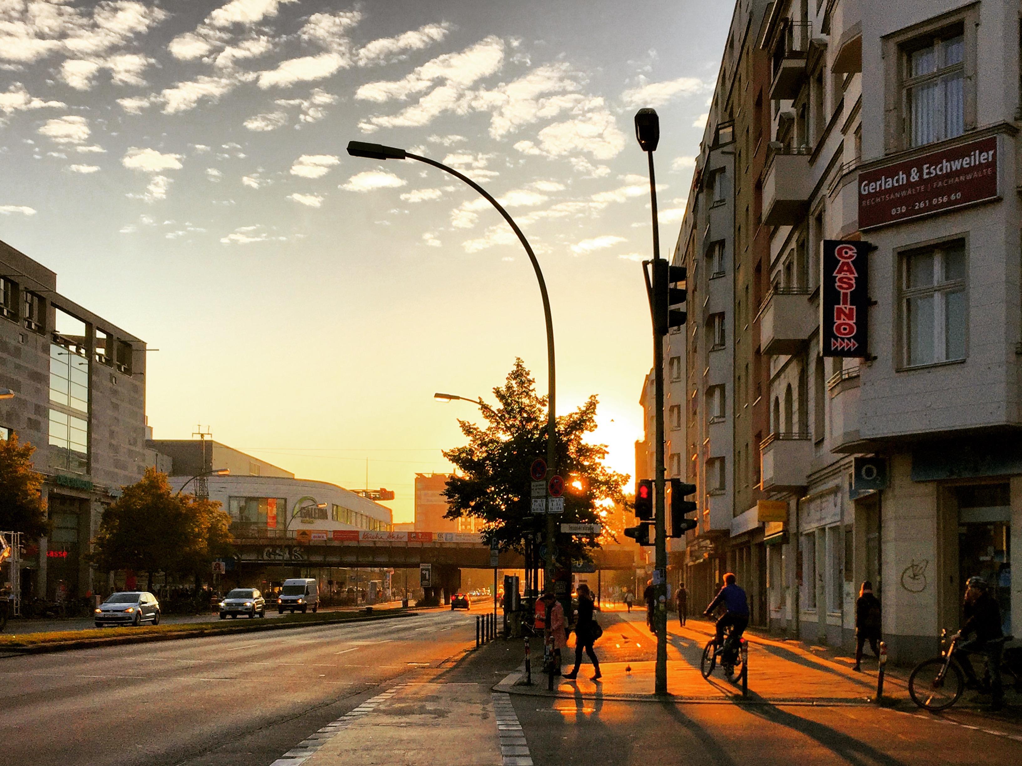 Frankfurter Allee im Morgenrot