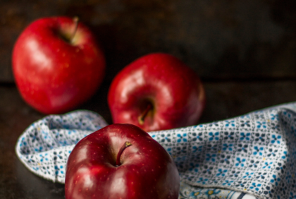 https://unsplash.com/search/apples?photo=fDUj3kXilHQ