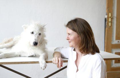 Julia Spaeth mit Hund