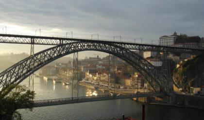 Ponte Dom Luis I Porto (D. Luis I bridge) in Porto, Portugal Brücke