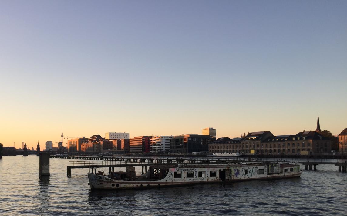 Fähre Berlin Sonnenuntergang